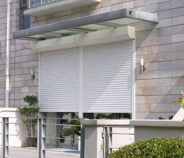 Most Roll Up Overhead Rolling Gates U0026 Roll Up And Down Security Gates And  Doors Will Simply Slot Upwards Into Themselves When They Close.